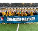 181028 Elfsborgs spelare jublar efter att man blivit Svenska mästare efter fotbollsmatchen i U17 Allsvenskan slutspelsserie mellan Elfsborg och Halmstad den 28 oktober 2018 i Borås. Foto: Jörgen Jarnberger / BILDBYRÅN / Kod JJ / Cop 112