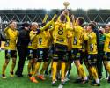 Elfsborgs spelare jublar med pokalen efter vinsten och SM-guld i fotbollsmatchen i U19 Allsvenskan mellan Elfsborg och IFK Norrköping den 19 oktober 2019 i Borås. Foto: Jörgen Jarnberger / BILDBYRÅN / Cop 112